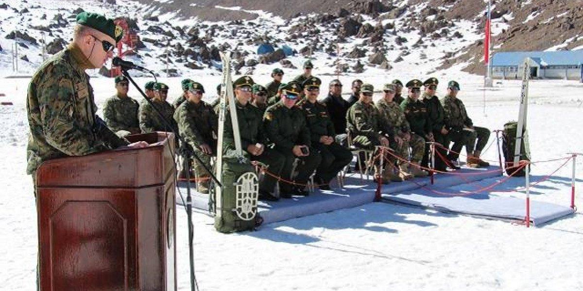 Uniformados de tres países compiten en torneo de esquí militar en Chile