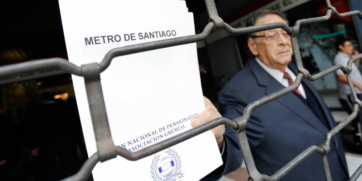 Discusión por límite de viajes para jubilados escala al Ministerio de Hacienda