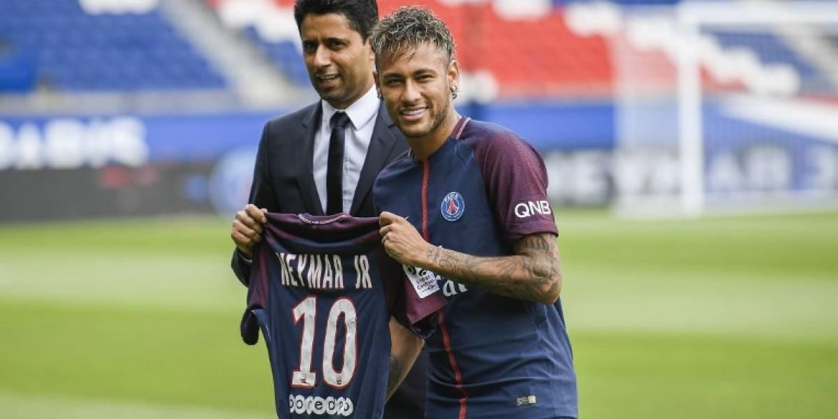 VIDEO. El PSG presenta al astro brasileño Neymar por todo lo alto