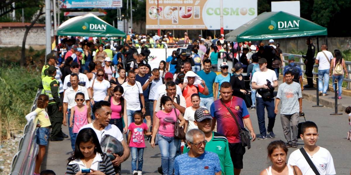 """""""Allá está mi vida y por eso me quedo"""": colombiana en Venezuela"""