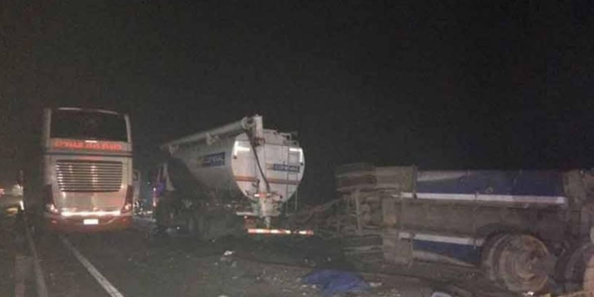 Dos personas fallecieron en accidente de tránsito en las cercanías de Victoria