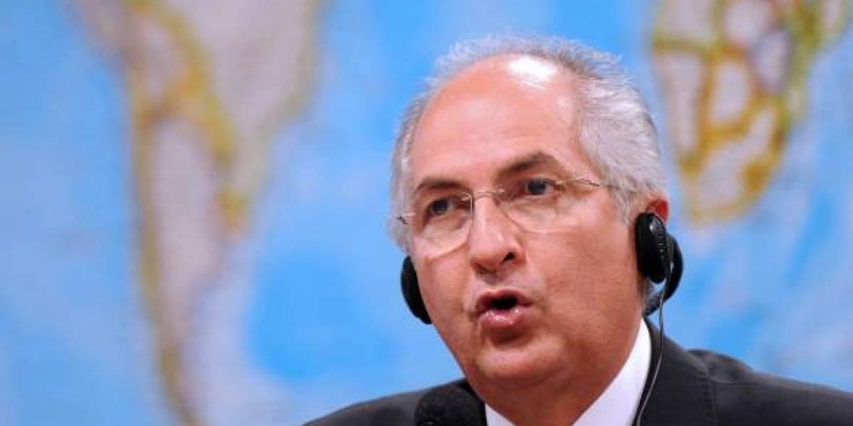 Venezuela: opositor Antonio Ledezma regresa a arresto domiciliario luego de tres días en prisión militar