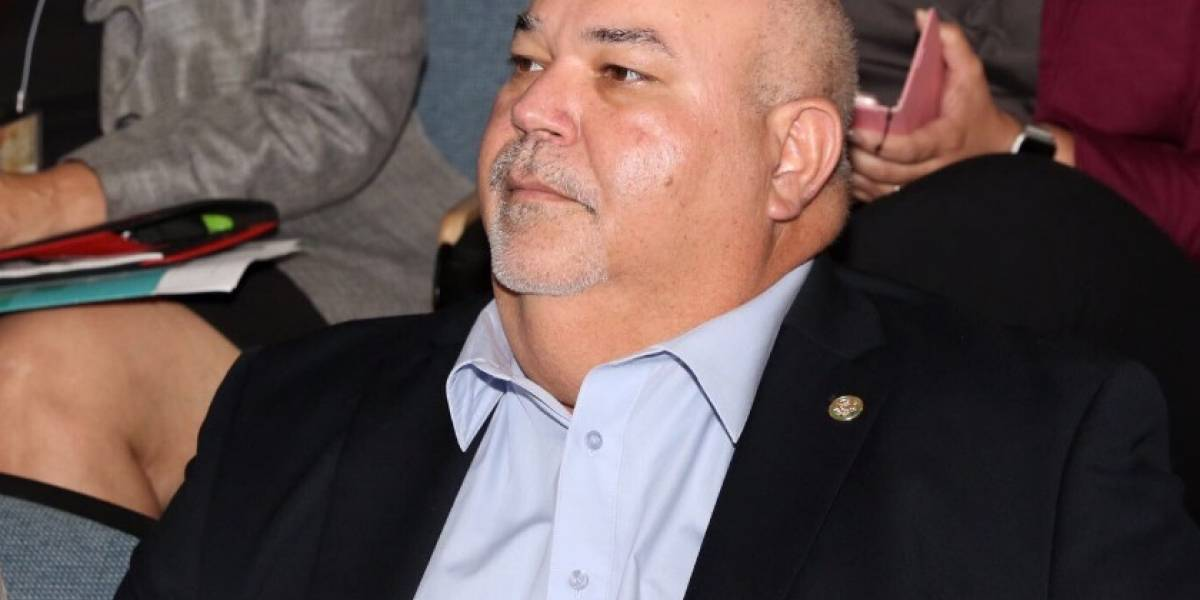 Johnny Méndez rechaza reducción de jornada para empleados públicos