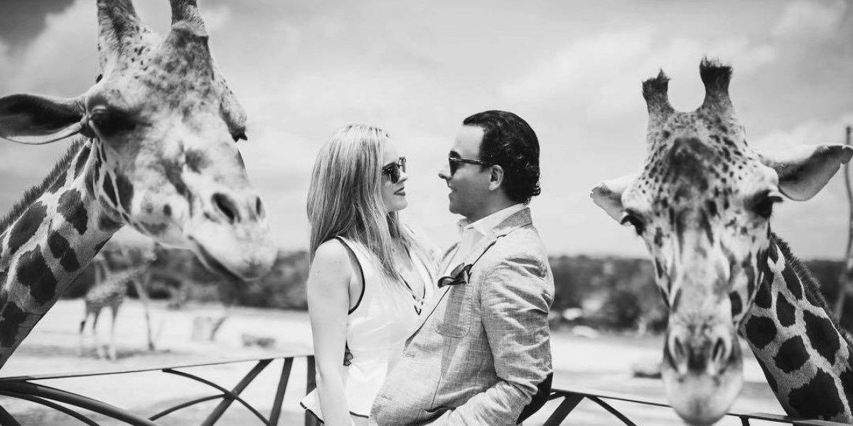 Adal Ramones se casa con Karla de la Mora en íntima ceremonia