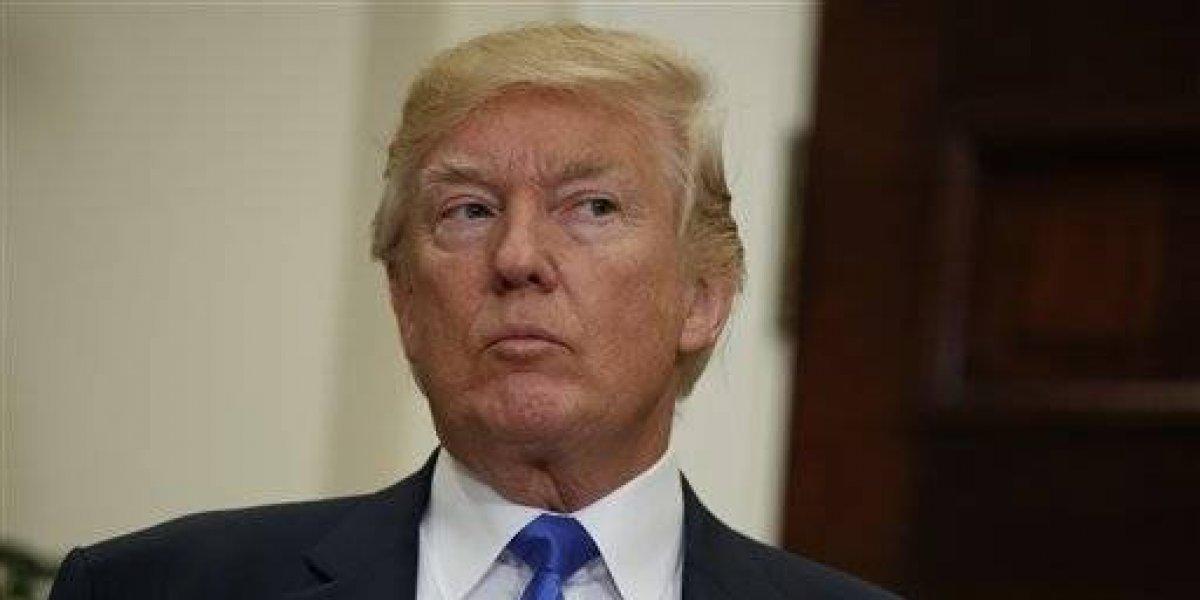 Trump limita asistencia pública a migrantes que llegan a Estados Unidos