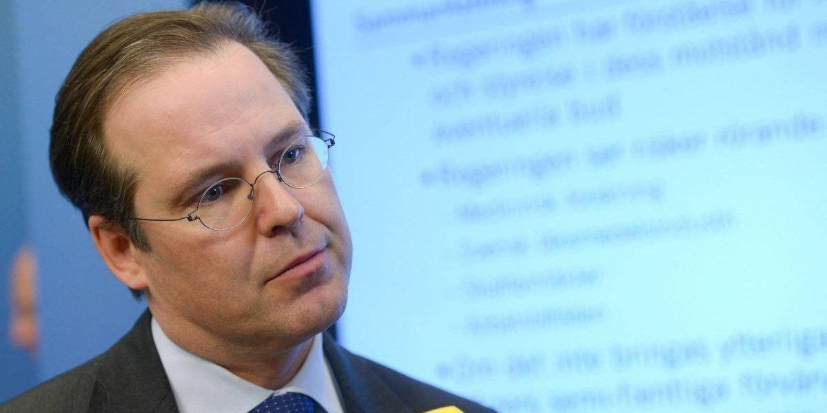 Ex ministro sueco dimite de vicepresidencia de dos empresas tras escandalosa fiesta en la que habría mostrado los genitales