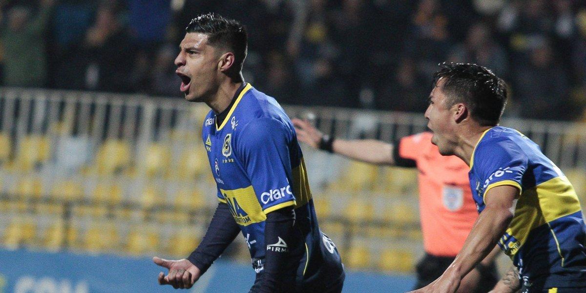 Everton goleó a San Luis y se mantiene como puntero del Transición