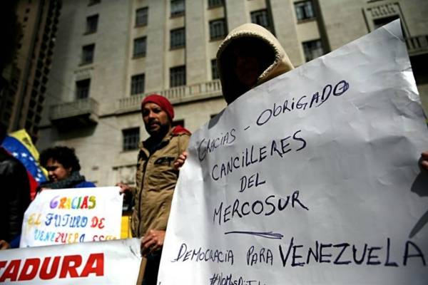 manifestantes Mescosur Venezuela