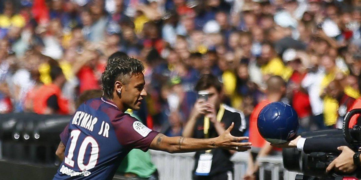 VIDEO: El Parque de los Príncipes y el PSG se rinden ante Neymar