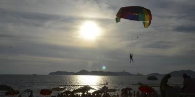Muere niño al caer de 'parachute' en Mazatlán