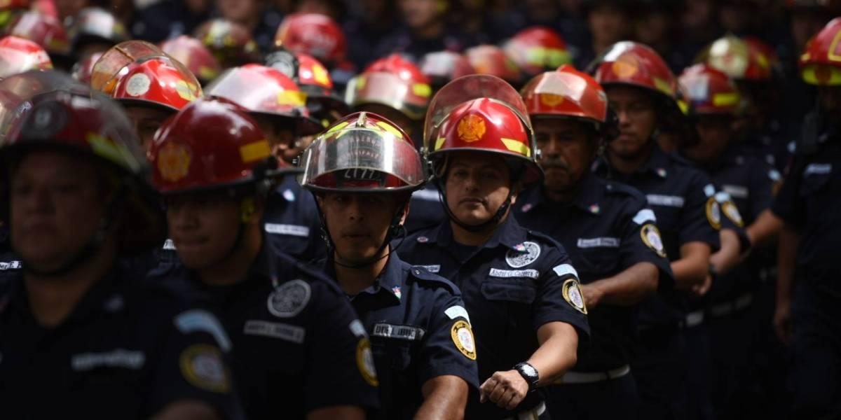 EN IMÁGENES. Bomberos Municipales celebran su 62 aniversario con un desfile