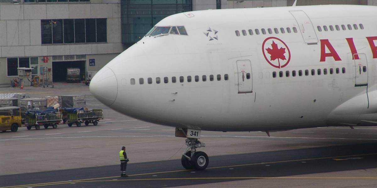Dos aviones rozan sus alas en aeropuerto de Toronto