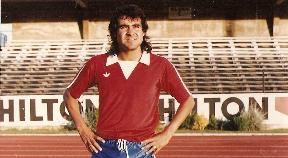 Lobos vistió los colores de la Roja en las clasificatorias a los Juegos Olímpicos de Los Ángeles 1984 / AFP