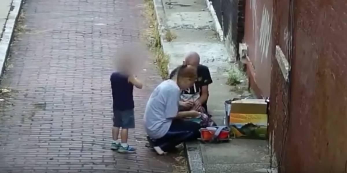 Mujer se inyecta heroína frente a su hijo de 4 años