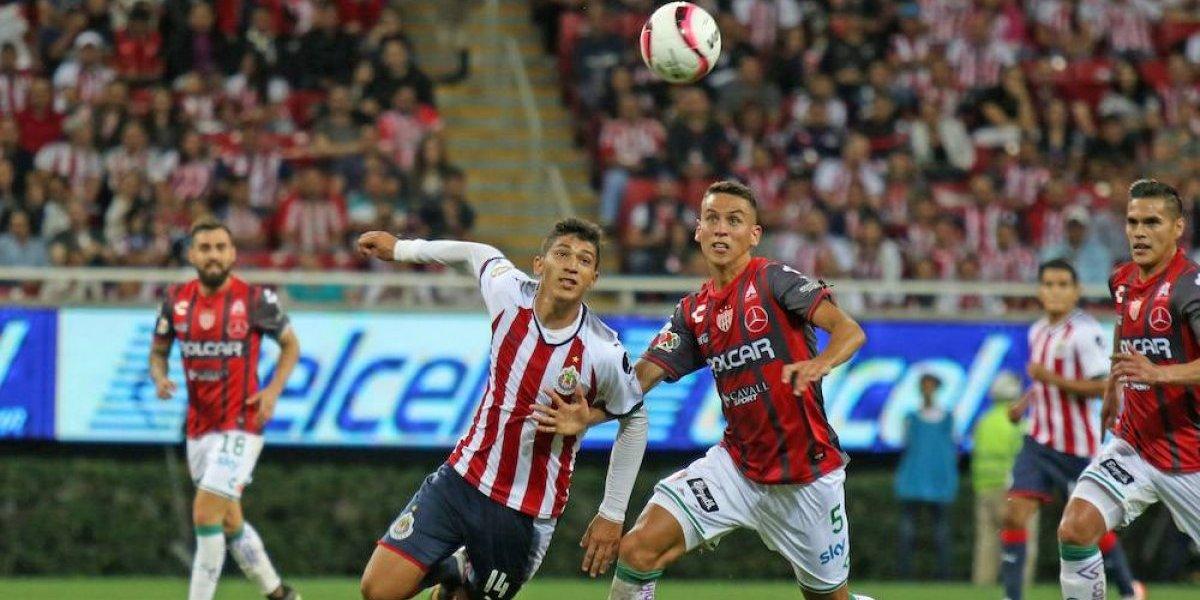 Chivas suma tercer empate en el torneo, ahora ante Necaxa