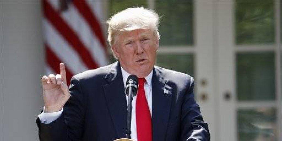 Trump niega estar de vacaciones y asegura que su base de votantes crece