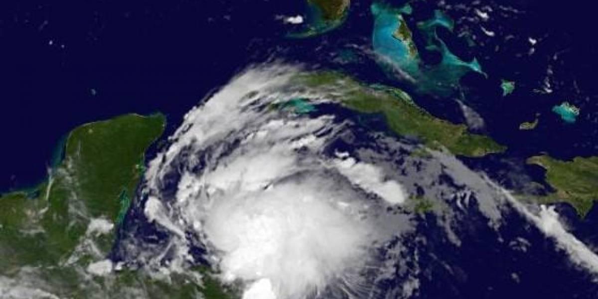 Franklin podría convertirse en huracán