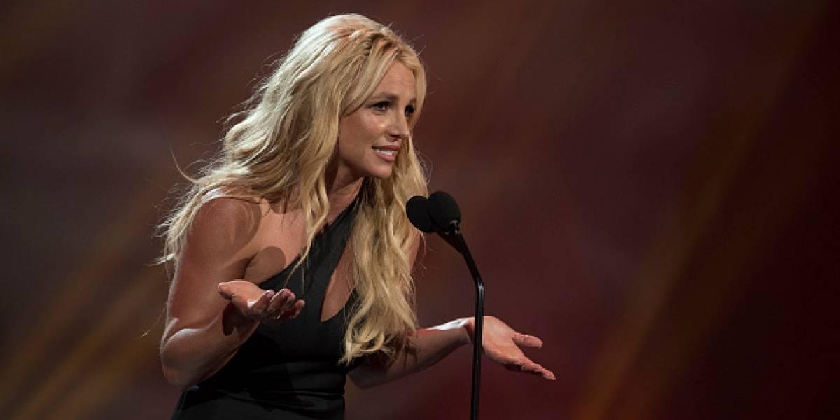 Novio de Britney Spears 'calienta' a sus seguidores con selfie