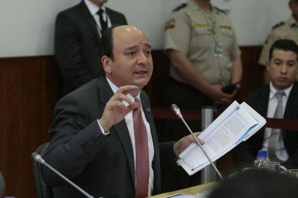 Fiscal Carlos Baca solicita prohibición de salida del país a Jorge Glas