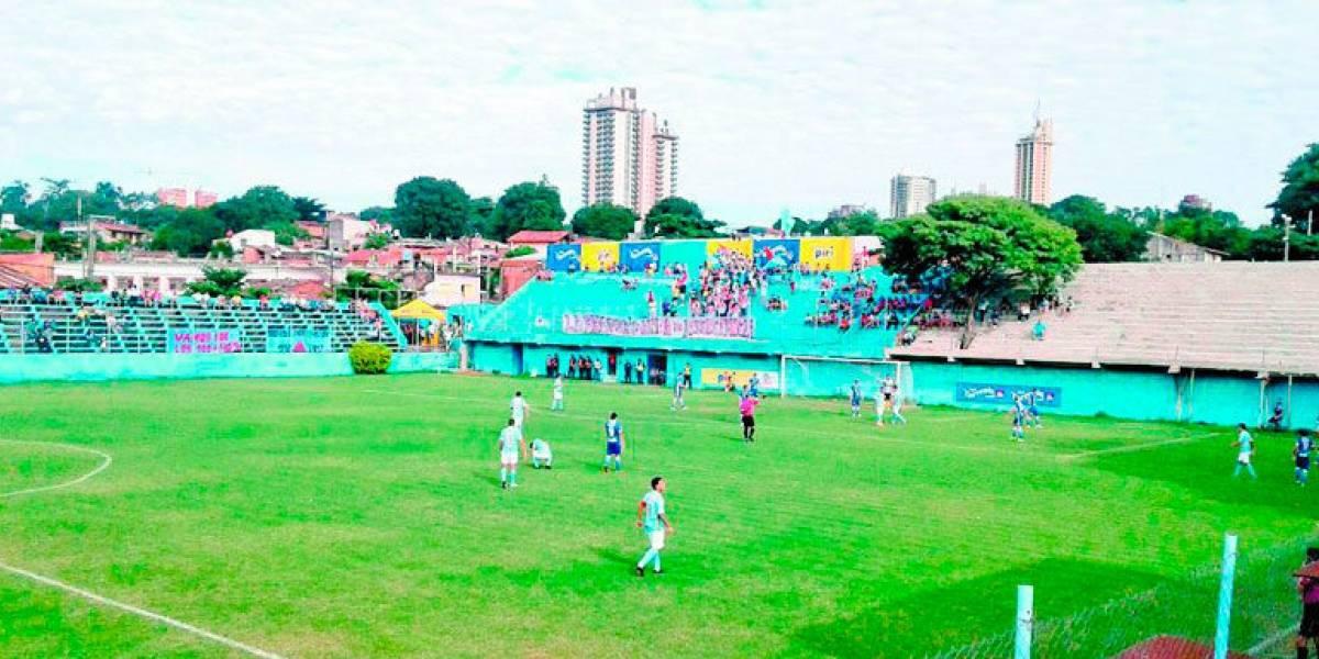 FOTO: Árbol es nombrado socio de honor en el futbol de Paraguay