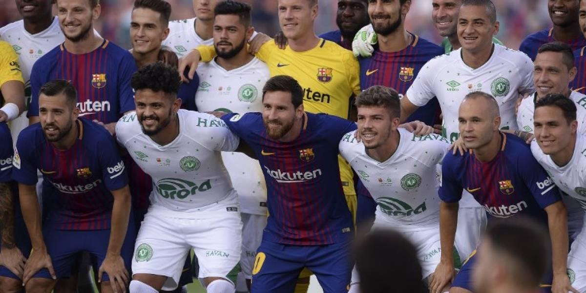 Entre aplausos y lágrimas, Barcelona y Chapecoense disputan el Trofeo Joan Gamper