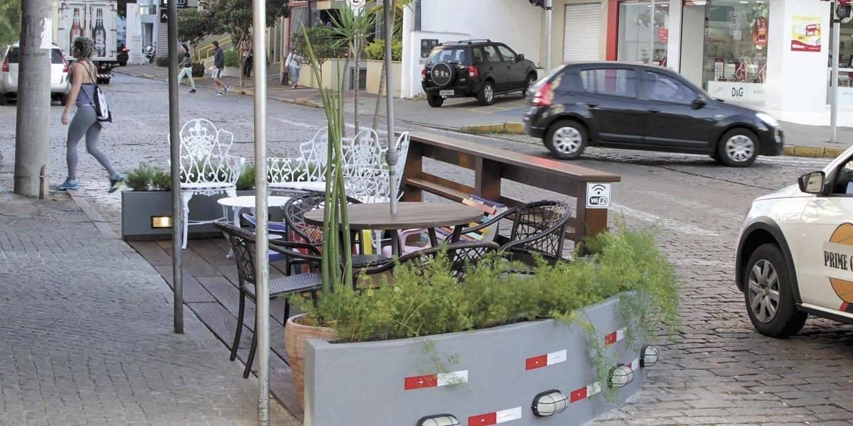 Prefeito de Campinas congela projeto que criou parklets