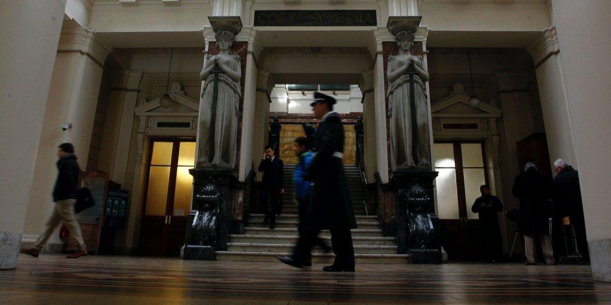 Justicia chilena concede custodia de mellizos a padre con pareja del mismo sexo