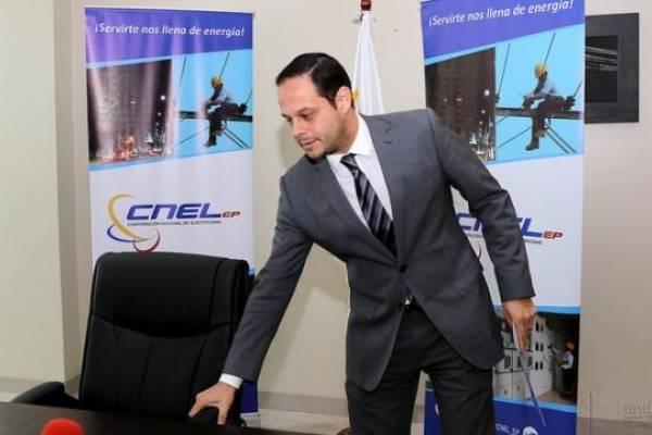 Gerente de CNEL pone a disposición su cargo para 'evitar conspiración'
