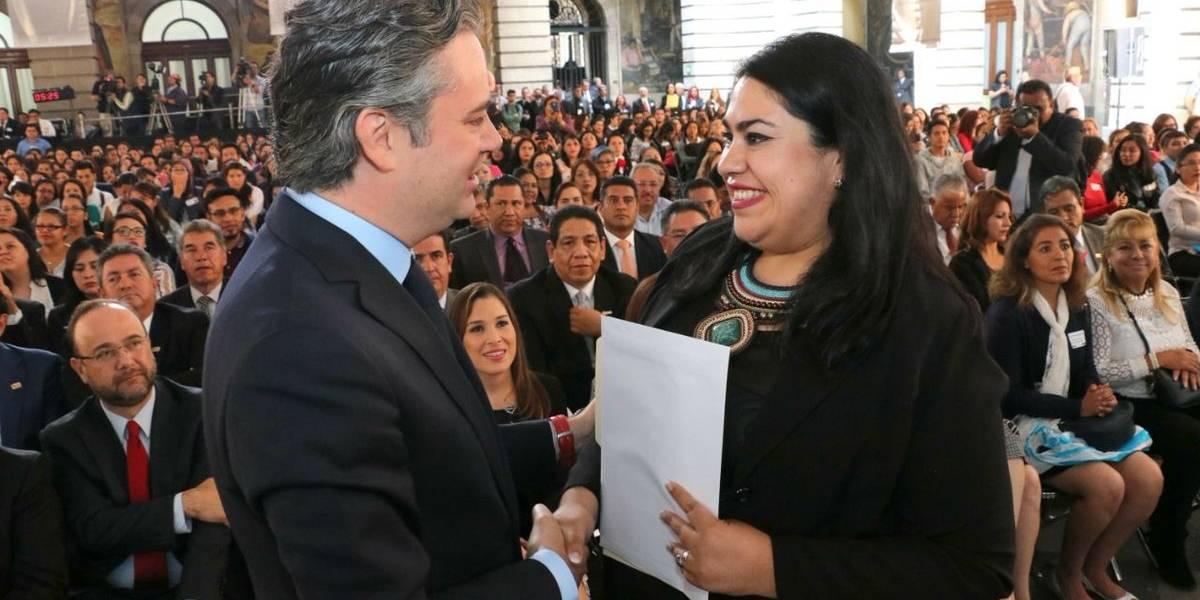 SEP asigna 902 plazas a maestros en la CDMX