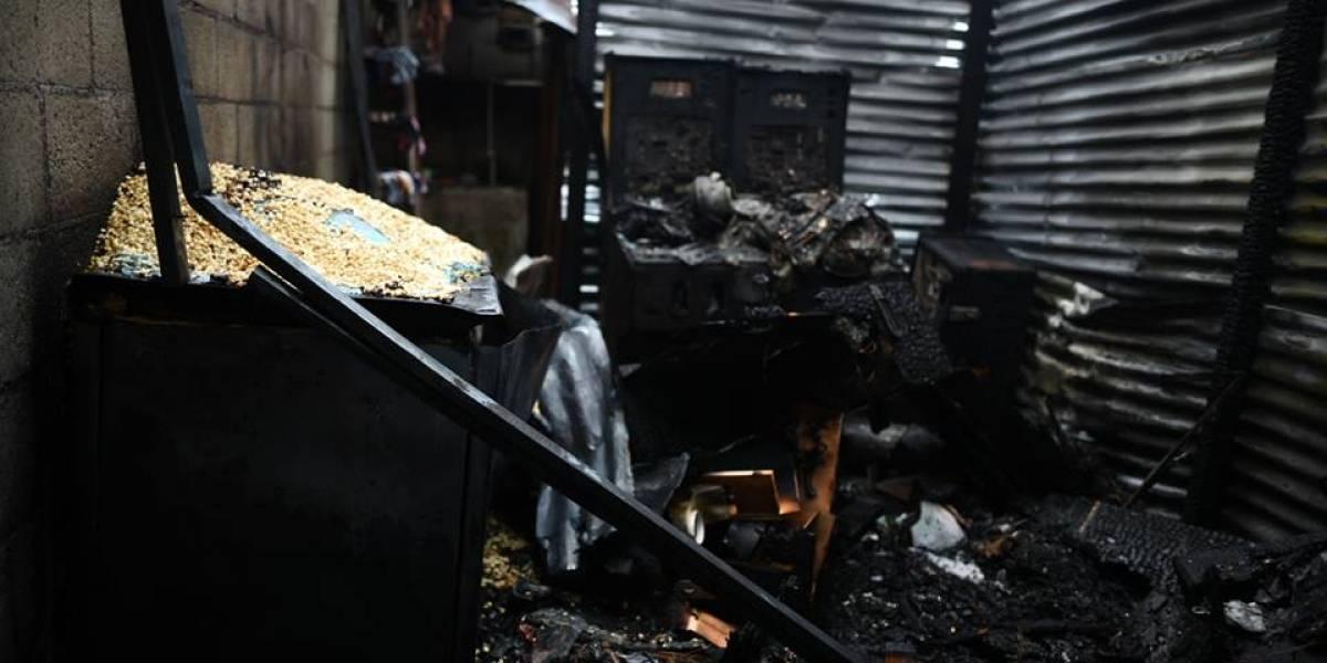 Dos heridos y pérdidas materiales por incendio en tortillería de la zona 13