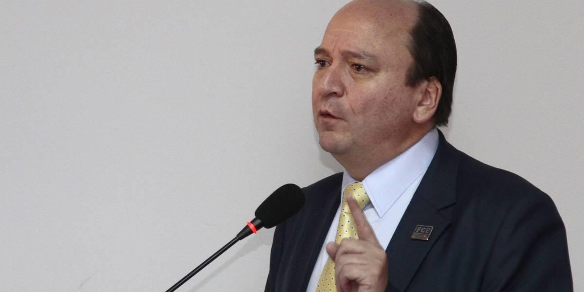 Dictan orden de prisión preventiva contra excontralor Carlos Pólit