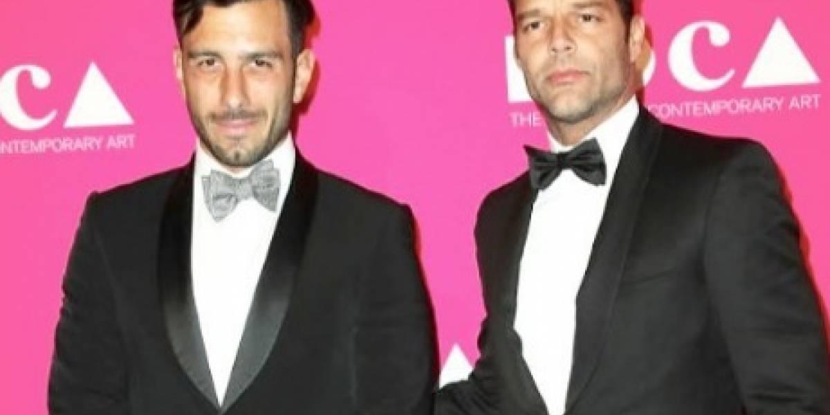 Prometido de Ricky Martin felicita a sus gemelos