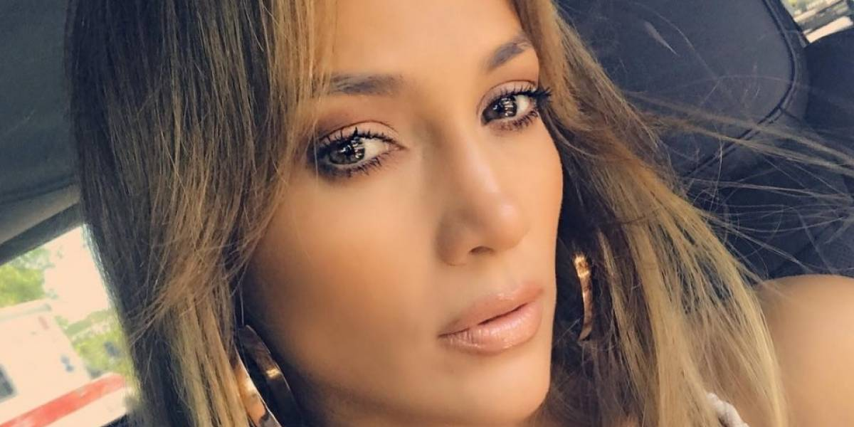Sexy fotografía de Jennifer López desata rumores de una cirugía