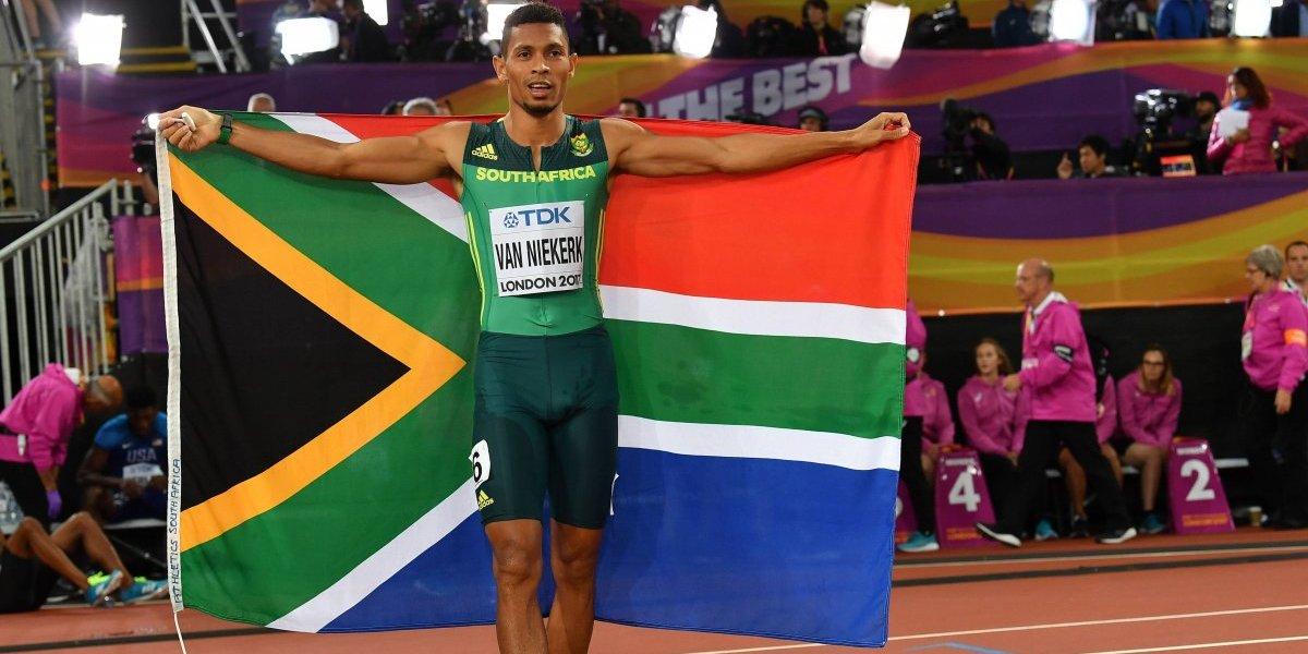 """El nuevo Bolt: sudafricano Wayde Van Niekerk ganó el oro en los 400 metros y va por el """"doblete"""""""