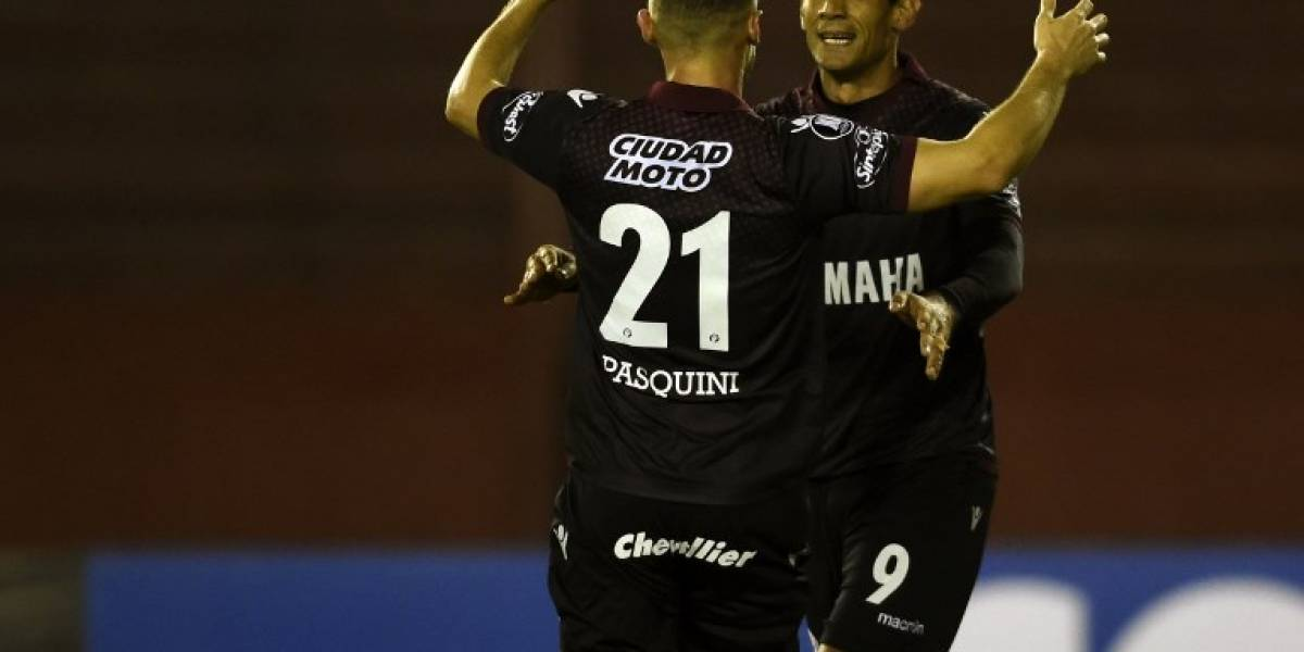 Lanús avanzó a cuartos de final de la Libertadores tras un deslucido triunfo ante The Strongest
