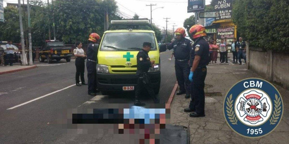 Presuntos asaltabuses son atacados a balazos en la zona 8