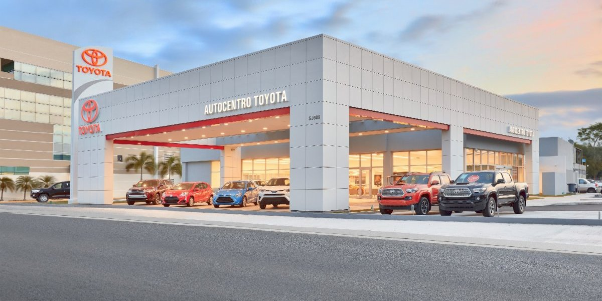Remodelan Autocentro Toyota por su aniversario 21