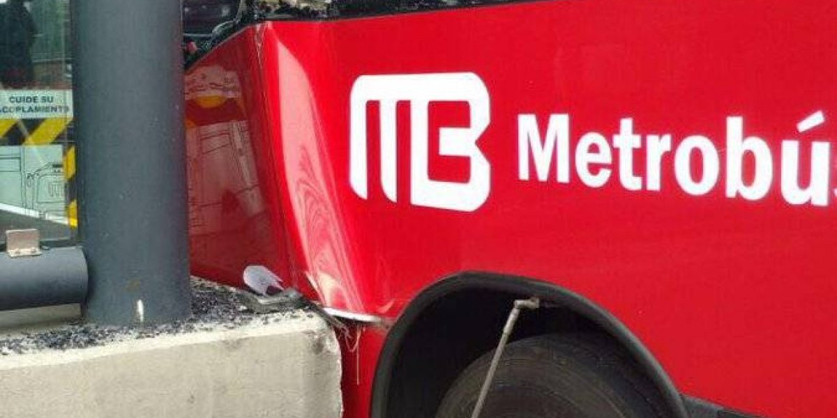 Otro choque en la Línea 6 del Metrobús deja al menos 7 heridos