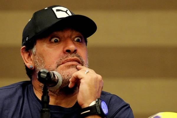 Diego Maradona apoya a Nicolás Maduro