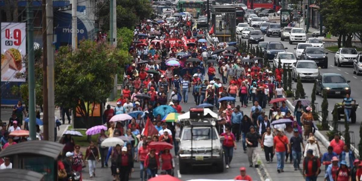 Integrantes del FNL realizan manifestación