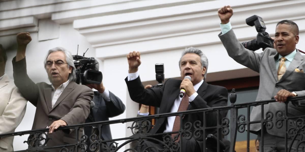 Lenín Moreno bajará salario a altos funcionarios y venderá un avión