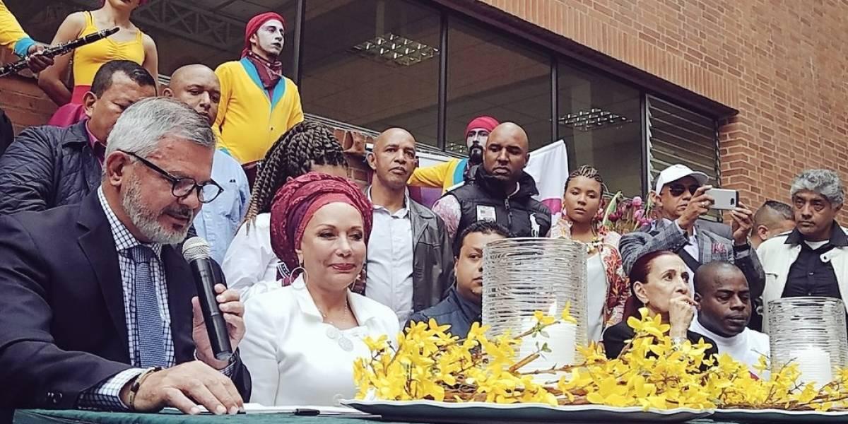 La ex senadora Córdoba inscribió su candidatura a la presidencia