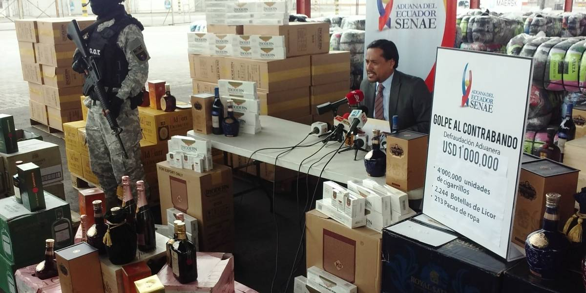 Cigarrillos, botellas de licor y ropa fueron incautadas por Senae