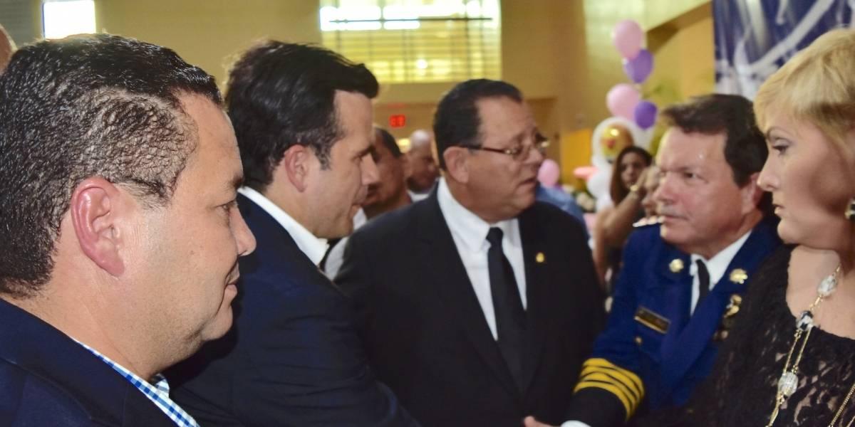 Ángel Pérez y Rosselló acuden a funeral de familia muerta trágicamente en Dorado