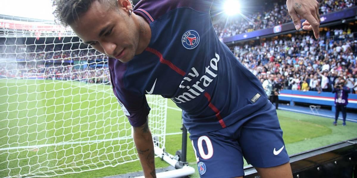 El canto de hinchas del Barcelona en contra de Neymar