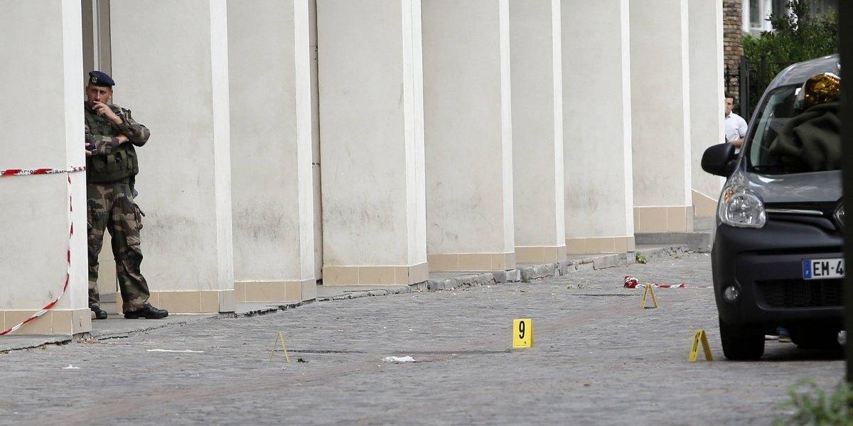 Atentado en París: 6 soldados heridos tras atropello masivo