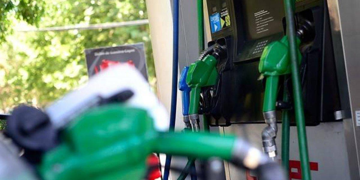 No hay caso: precio de las bencinas vuelve a subir este jueves