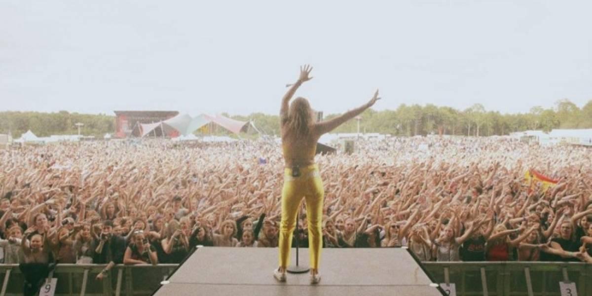 Esta cantante mostró más de la cuenta durante una presentación en Lollapalooza
