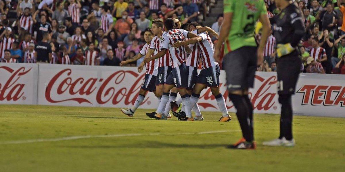Chivas sufre para superar a Bravos en la Copa MX