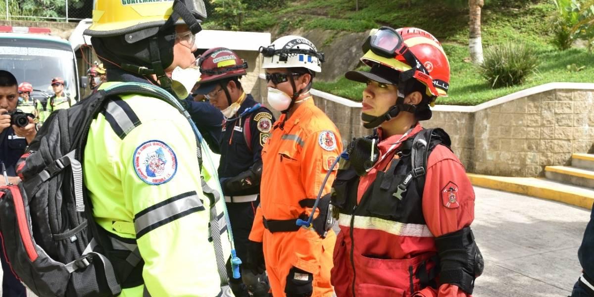 Instructores guatemaltecos imparten curso de búsqueda y rescate a bomberos de siete países